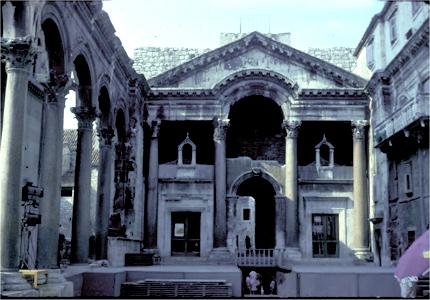 Vous visionnez les images de l'article : Villa de Split